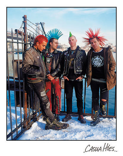 ...punk rock ансамбля , THE CASUALTIES композиция On The Front Line с...